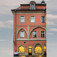 Heuporthaus