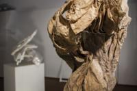 Michaela Schmid, Zyklus, 2019, Papier, Pappe und Gips, Höhe 85 cm